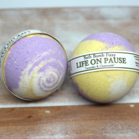 Lavender & Chamomile - Life on Pause Bath Bomb